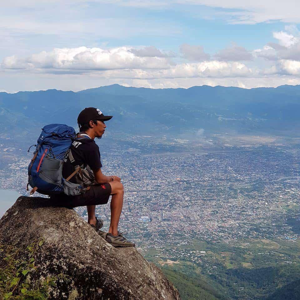 pemandangan dari gunung gawalise