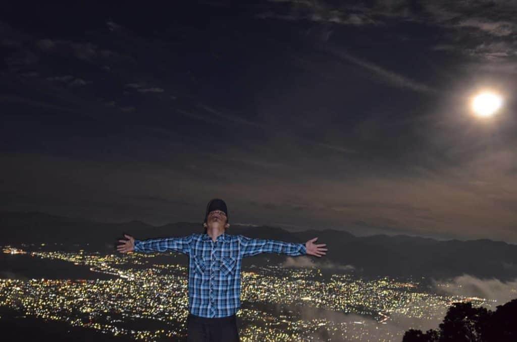 Pemandangan dari puncak gunung matantimali