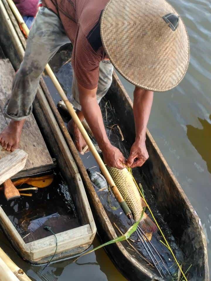 mancing di Danau Wanga