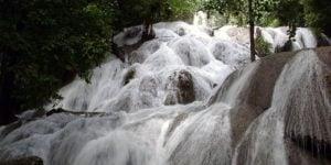 Objek wisata air tejun saluopa kabupaten poso